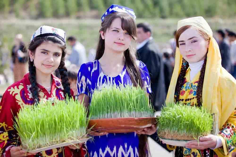 Tajik girls celebrating Nowruz2 - Happy Nowruz!